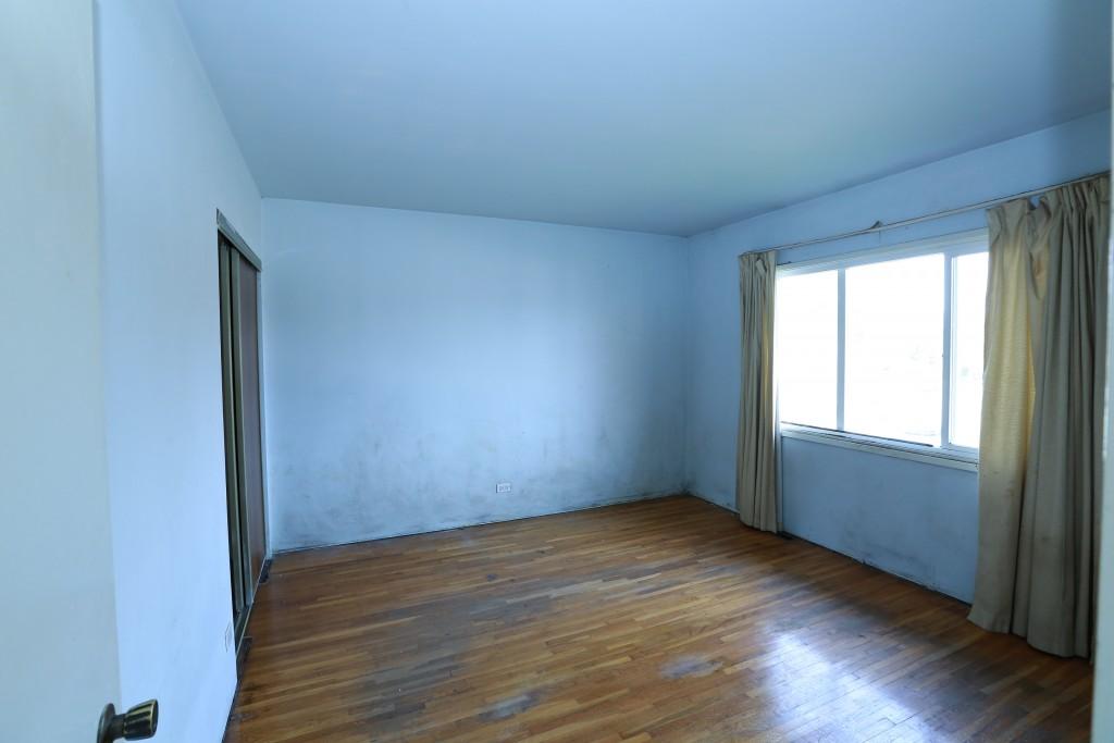13-front-bedroom-1
