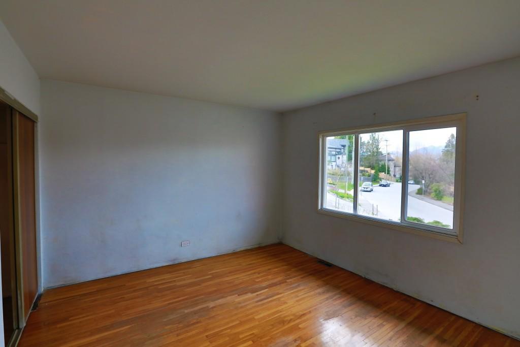13-front-bedroom-2
