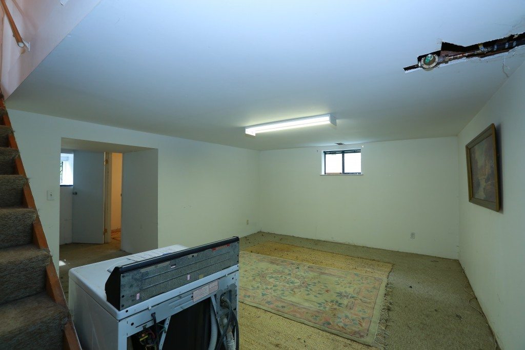 15-downstairs-family-room-1