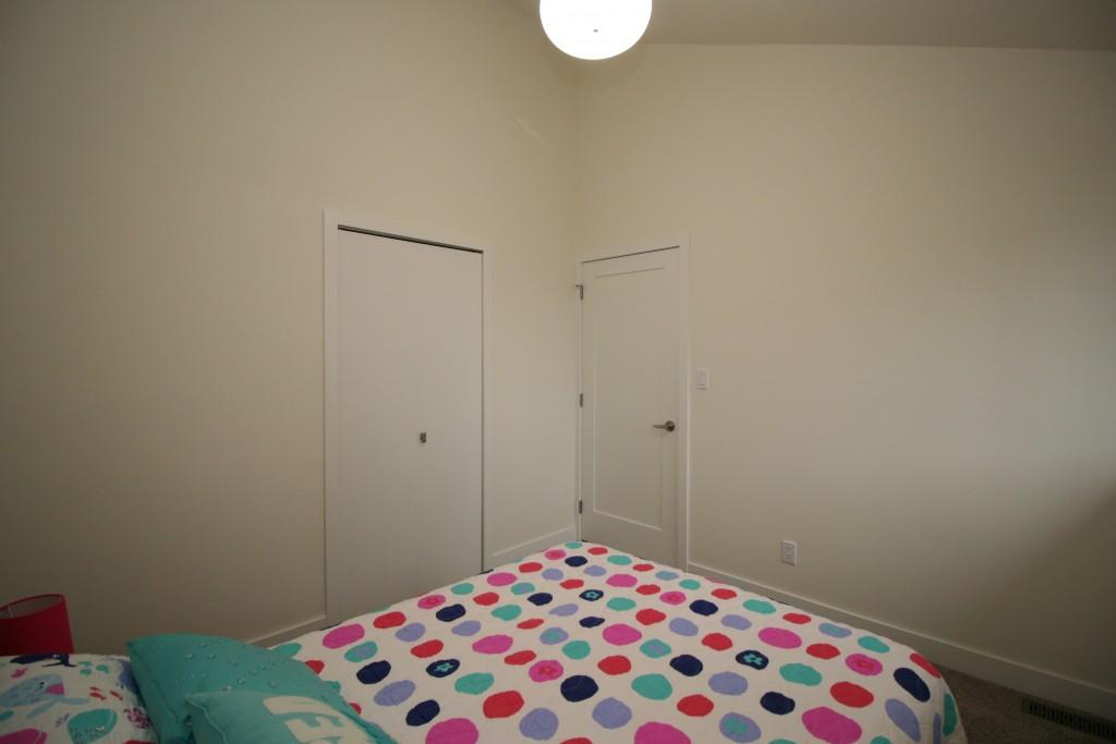 14bedroom1 c2