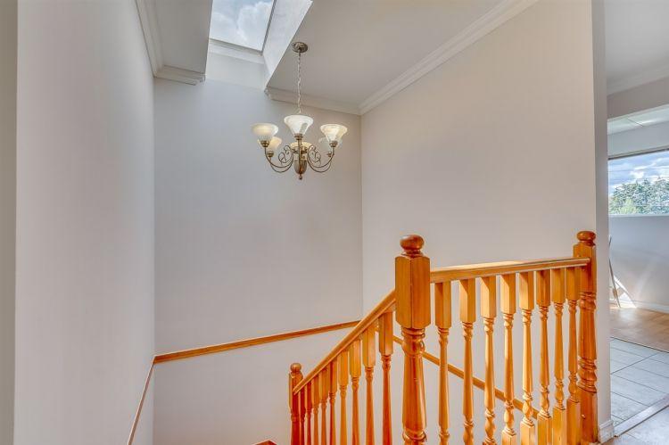10-stairs-c