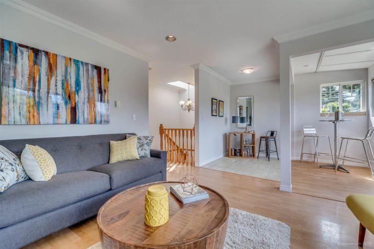 5c-living-room-4c