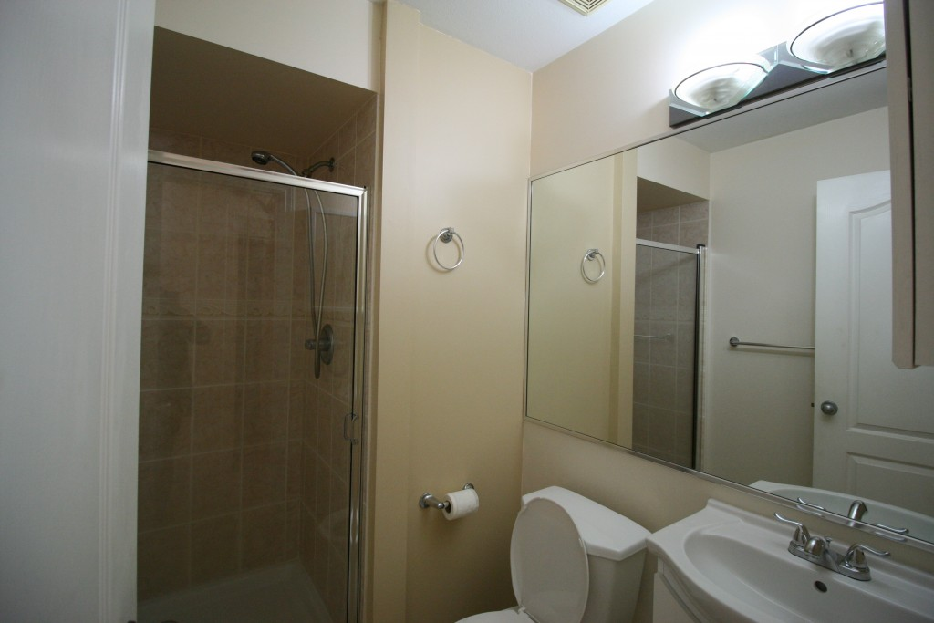 9-bathroom2-before